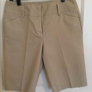 Dana Buchman Signature Khaki Bermuda Shorts Sz 8
